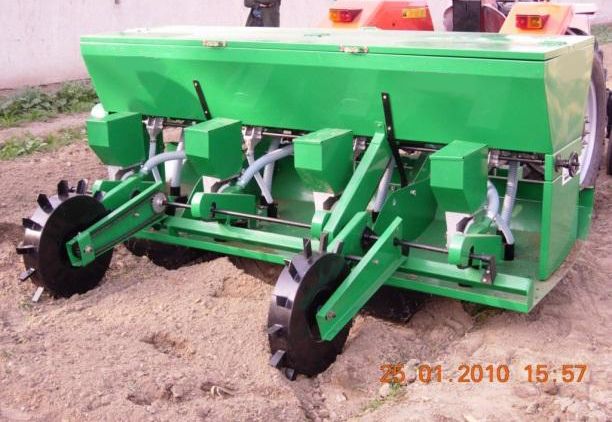 Precision Bed Seeder