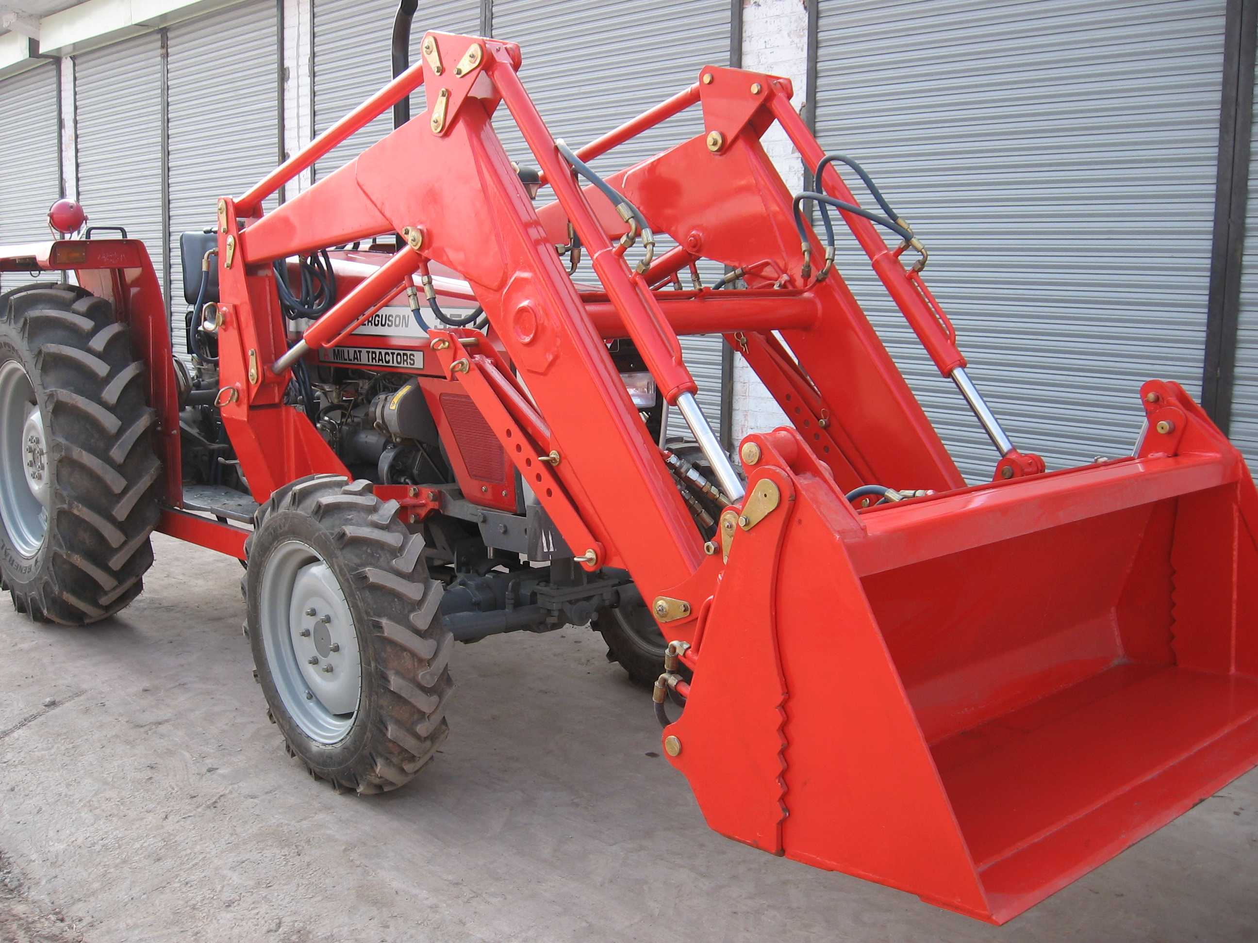 4 in 1 Loader Pakistan
